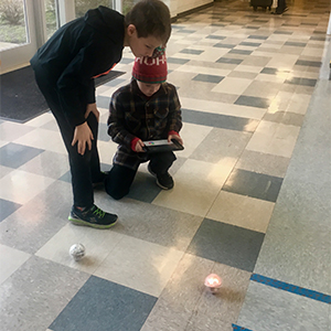 STEM Club Uses Spheros!