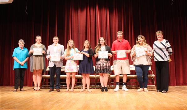 Poquoson Education Foundation Awards Scholarships